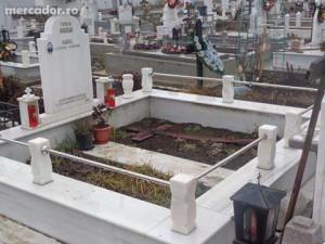 25641573 5 644x461 executam-monumente-constructii-funerare-din-marmura-vrancea